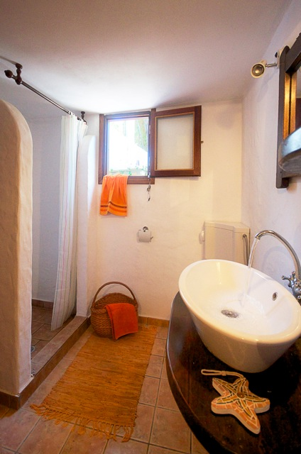 sassa bathroom2 alonissos homes