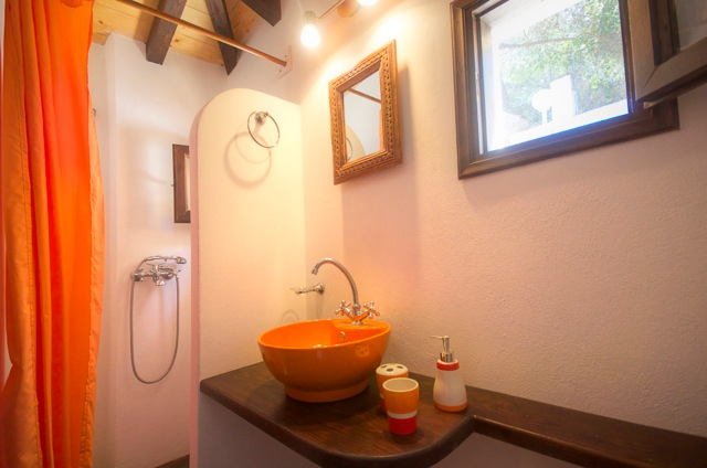 sassa bathroomstudio alonissos homes