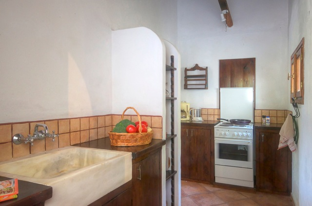 sassa kitchen1 alonissos homes